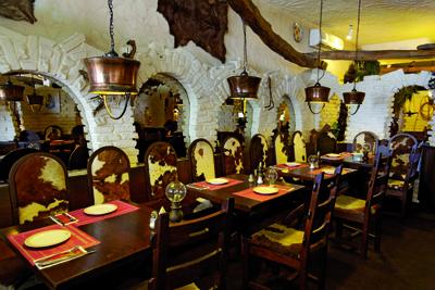 Argentinisches steakhaus mendoza genie er edition 2019 for Silla 14 cafe resto mendoza mendoza